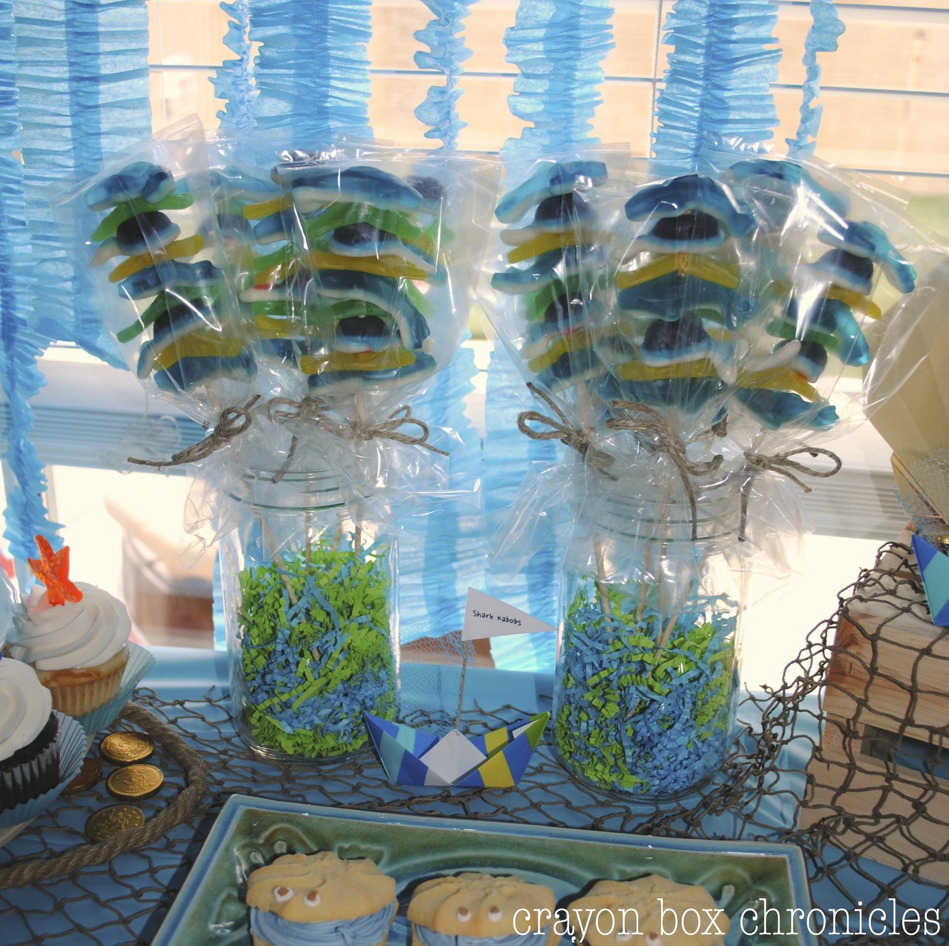 Diy Tutorial Shark Whale Amp Fish Kabobs Crayon Box