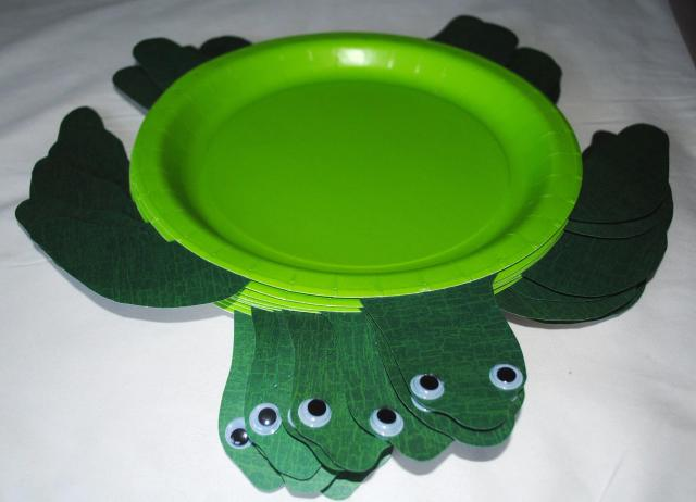 Turtle Plates - Under The Sea Birthday Party @ Crayon Box Chronicles