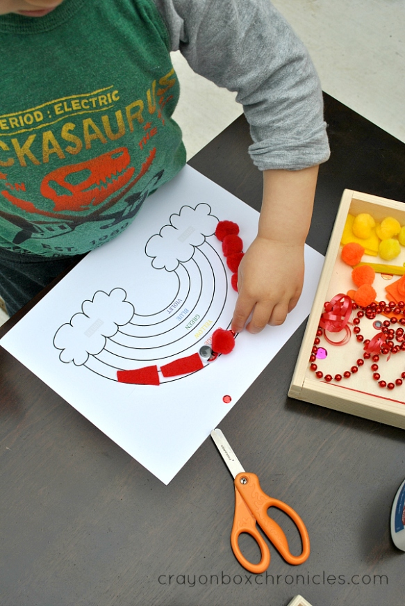 rainbow art project with sensory tray