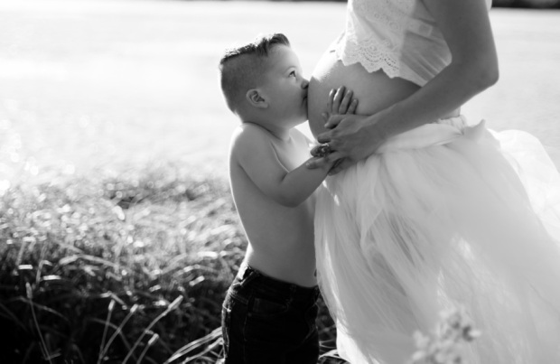 ©Portraits of Grace Photography, Maternity Photo Shoot via crayonboxchronicles.com #teamsavannahhope